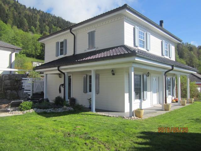 Villa de 5.5 pièces avec atelier à vendre à Boveresse 15324104