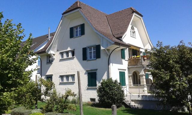 Helle und freundliche 3½-Zimmer-Wohnung in Jugendstilhaus 16686894