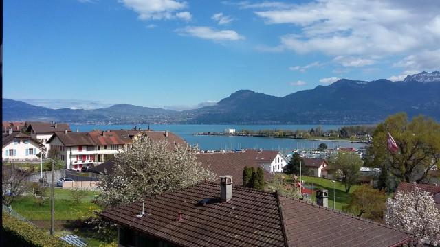 appartement avec vue sur le lac et le port 15361567