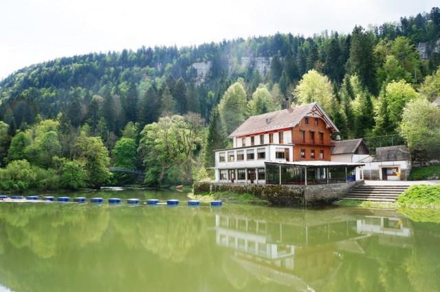 Restaurant le Saut-du-Doubs aux Brenets/NE, cadre nature idy 15312932