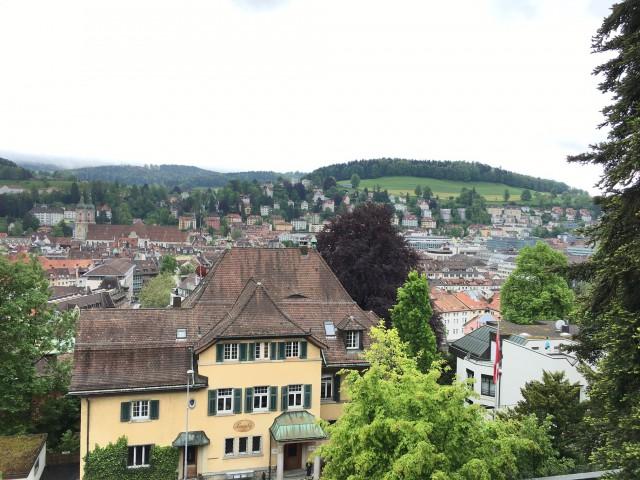 Neu renovierte Jugendstilwohnung mit Sicht auf das Kloster 15315051