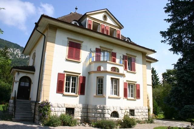 Cortébert - Maison de maître de 4 appartements 9143679