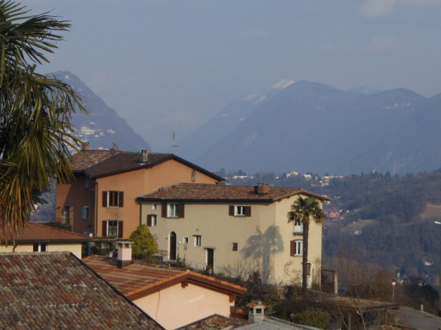 Teilmöblierte Einzimmerwohnung mit Seesicht oberhalb Agno 16359563