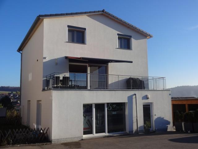 5½-Zi-STWEG mit Ankleideraum, Carport, Gartenhaus + Rasenflä 15978607