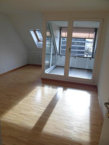 4.5-Zimmerdachwohnung mit Galerie nähe Rosengarten 16393366