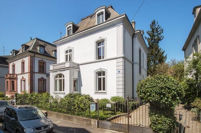 Repräsentative 11-Zi-Stadtvilla mit stilvoller Gartenanlage  14502425