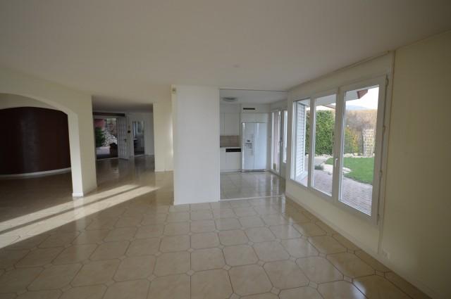 Appartement de luxe avec jardin dominant le Léman 14829239