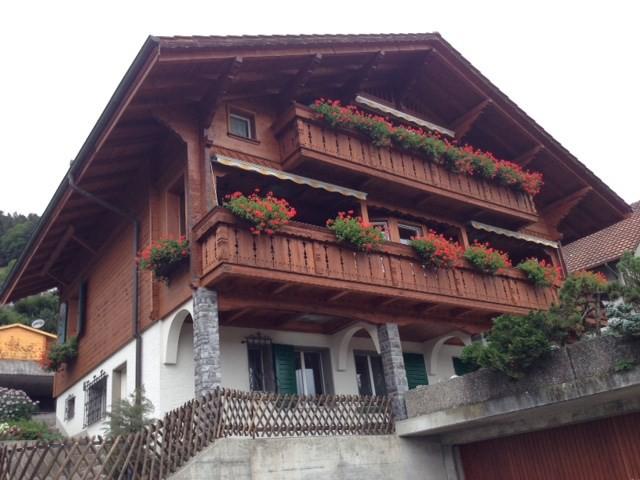 2-Zimmerwohnung in Chalet mit Berg- und Seesicht 14989223