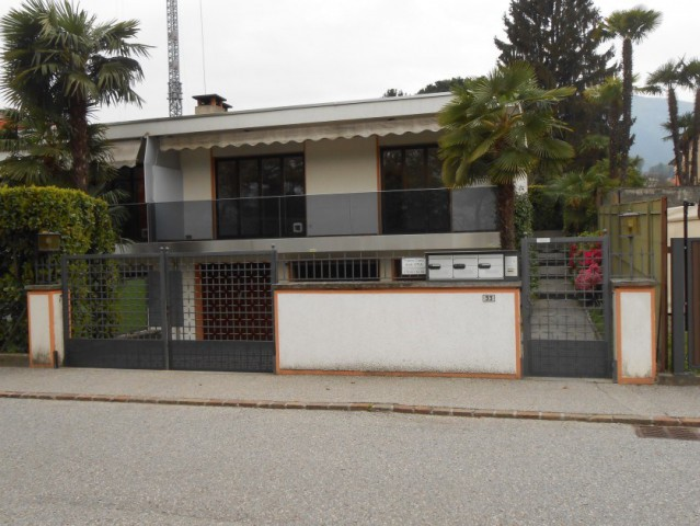 Stabile con 3 appartamenti 15291199