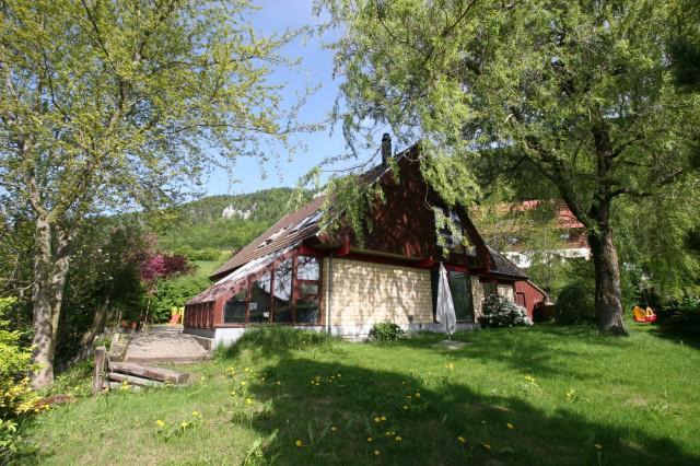 Villa boisée au charme envoûtant 14972105