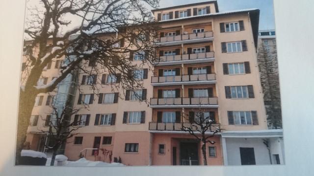 Appartement avec deux balcons 14872792