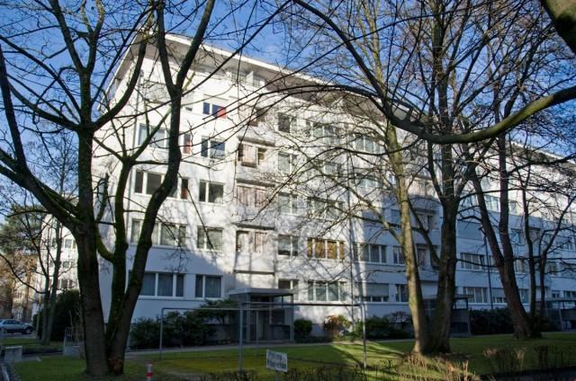 Gemütliche,helle 2-Zimmer Dachwohnung mit 2 Balkone 16337877
