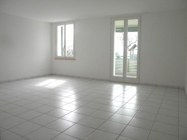 5 1/2 Zi.-Wohnung, Parterre, in 3-Familienhaus 15000712