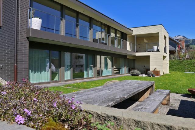 Hochwertiges 5.5 Zimmer-Einfamilienhaus an herrlicher Wohnla 14930932