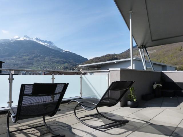 Appartement 3,5 pièces en attique avec magnifique terrasse à 15027712
