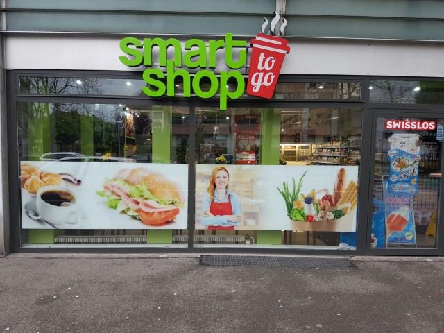 Lebensmittel-Shop neu und modern ausgestattet 15129981