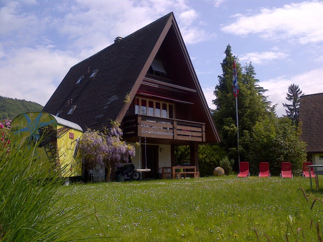 Idyllisches Ferienhaus direkt am Neuenburgersee 17008472