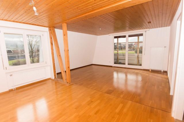 Grosszügige 4.5-Zimmerwohnung mit Balkon in 5-FH, 2. Stock 15969411