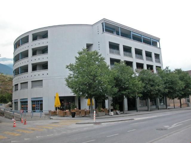 Place de parc dans le garage proche de la gare de Sierre 15335502