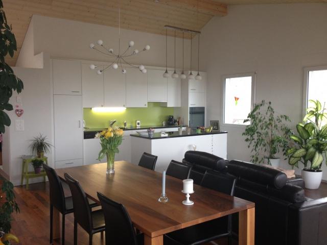 Grosszügige, moderne, helle 4.5-Zimmer-Wohnung mit 26m2 Balk
