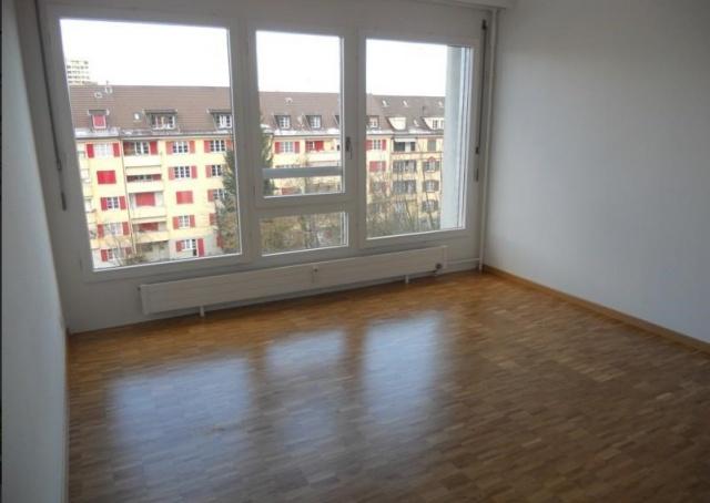 4 1/2 Zimmer-Wohnung mit Abendsonne auf Balkon 11008209