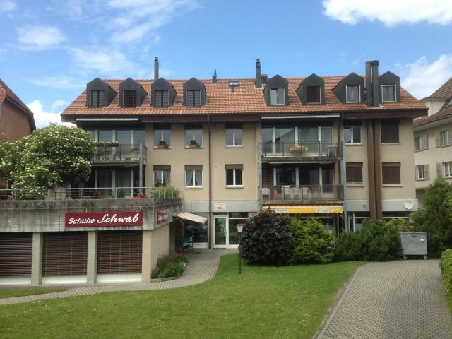 Sehr zentral gelegene 3 1/2-Zimmerwohnung in Kerzers