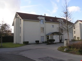 schöne und helle 4.5-Zimmerwohnung im Dachgeschoss in Gurmel 9329750