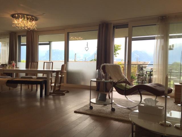 Grosszügige neuwertige 3.5-Zimmer Wohnung an bester Lage 11636094