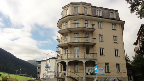 4-ZWG in Jugendstilhaus im Zentrum von Davos 11608539