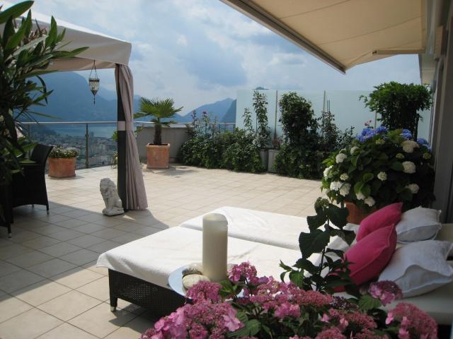 Traumhafte Attica-Wohnung mit großer Terrasse und Blick auf  12965359