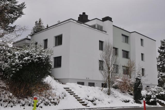 Schöne 4.5 Zimmerwohnung an ruhiger Lage in Ebmatingen