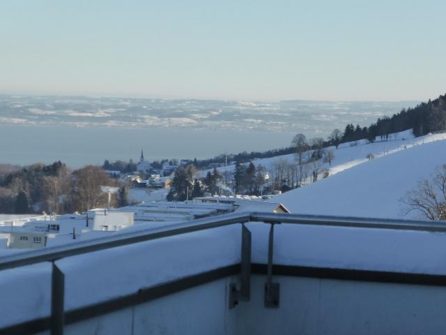 Aussicht über den ganzen Bodensee im 12 Stock 13752620