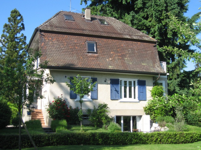 Charming detached house with large garden, near schools - Tr 12941738