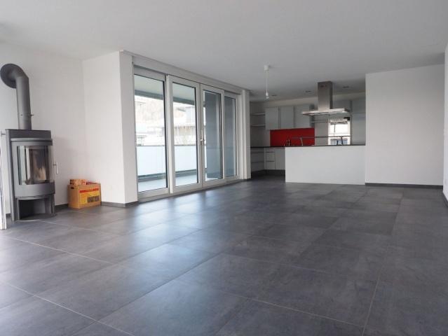 Sonnige, ruhige, hochwertige Wohnung mit grossem Balkon