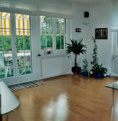 Schöne 4 Zimmerwohnung, sonnig, nähe Schulhaus / Kindergarte