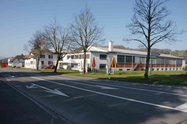 371 m2 Gewerberaum + 165 m2 Lager; 5 Minuten von A1 Aarau We
