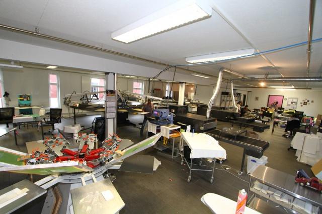 Surfaces pour ateliers, dépôt, etc, à 2 pas de l'autoroute 9540110