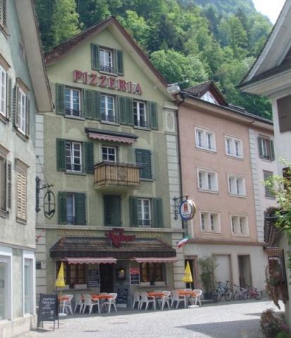 Restaurant - Pizzeria - Grottino an gut frequentierte Lage 11547717