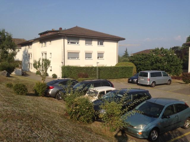 Appartement 6 pièces à St-Sulpice, pour le 1er août (locatio 11437225