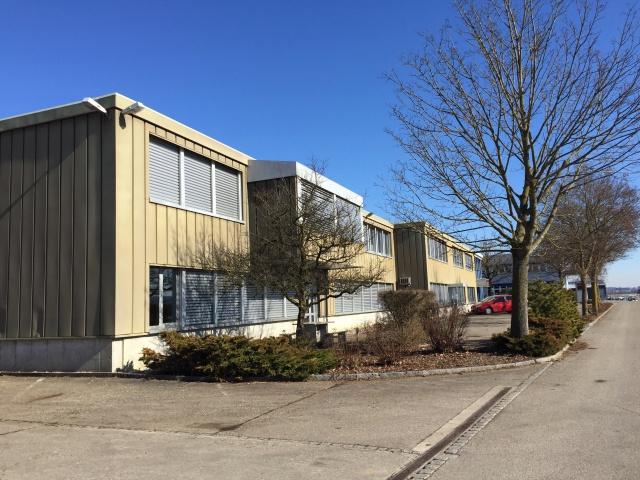 600 m2 Industrie- Gewerbeflächen mit Büro an guter Lage