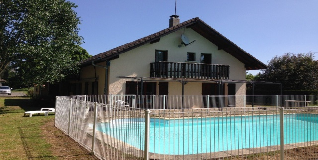 5 BR house (180m2) w/swimming pool, Close t/CERN & airport G 12437134