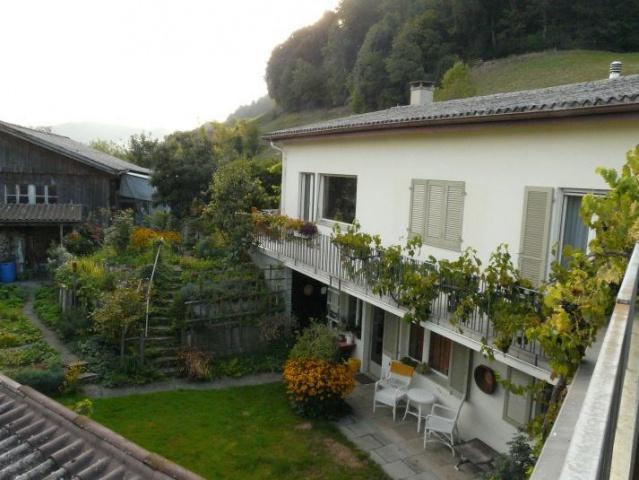 Haus mit Garten und Werkstatt 13034228