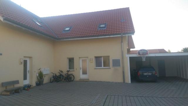 Attika-Wohnung mit Balkon 10664895