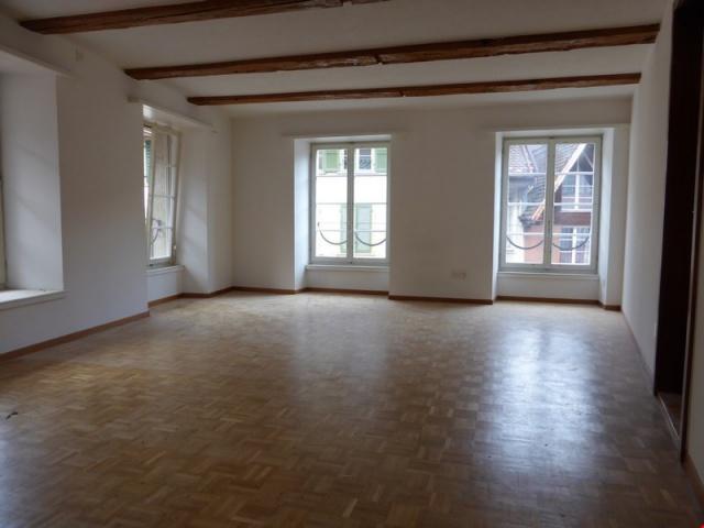 Appt de 3 pièces en vieille-ville - 3 Zi.-Wohnung in Bielera