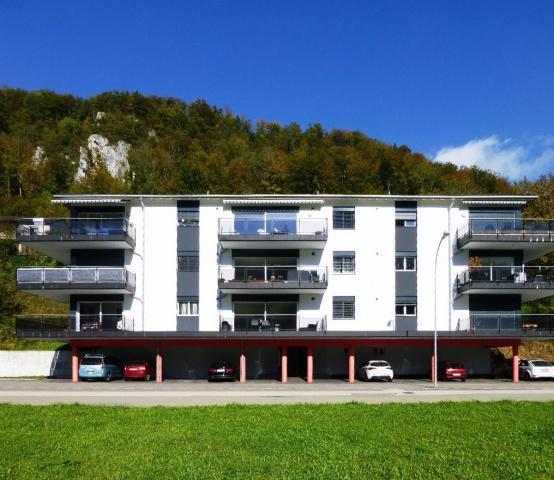 Grand appartement moderne de 4,5 pièces avec blacon 11975363