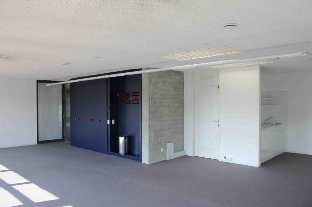 Lichtdurchflutete Büro-, Praxis-, Atelierfläche