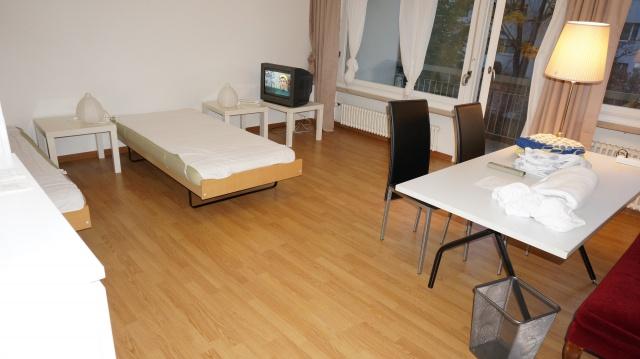 Ruhiges möbliertes Zimmer in 3er WG sucht Mitbewohner 13887344