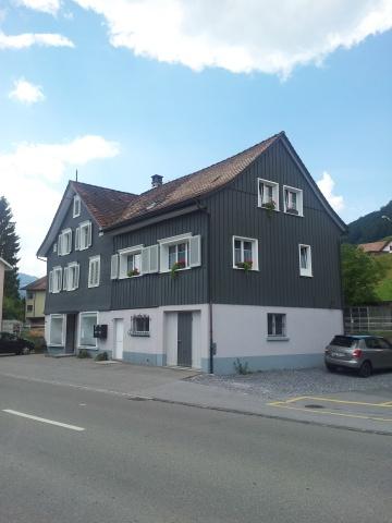 Eckhaus mit Garage und Whirlpool 11528247