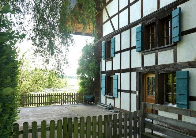 Exklusive 4.5 Zi-Wohnung in umgebauten Bauernhaus mit toller 11636102