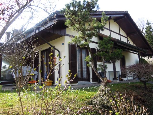 Maison familiale jumelée + appartement à Brügg (BE) 10663656